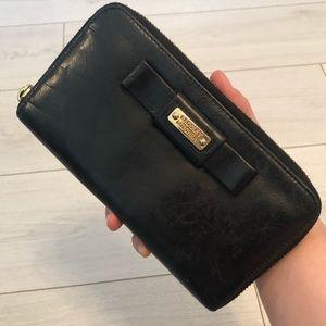 Badgley Mischka black leather zipper wallet